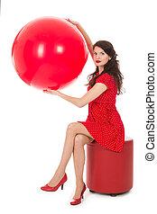 아름다운 여성, 착석, 통하고 있는, 발판, 보유, 크게, 빨간 기구