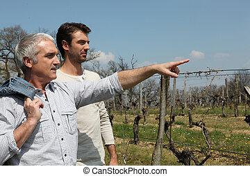 아버지와 아들, 에서, 시골