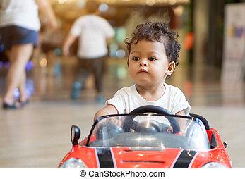 아시아 사람, 갓난 남자 아기, 운전, 에서, a, 빨간 차, 장난감