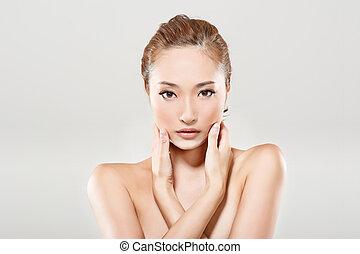 아시아 사람, 아름다움