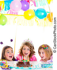 아이들, 아이, 소녀, 생일 파티, 보기, 흥분한다, 쵸콜릿 케이크