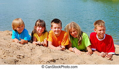 아이들, 통하고 있는, 바닷가