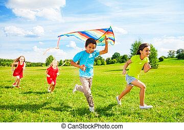 아이의그룹, 달리다, 와, 연