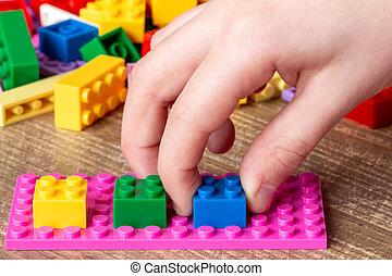 아이 놀, 와, 장난감 벽돌