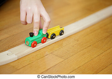 아이, hand's, 노는 것, 와, a, 나무의 장난감, 기차