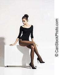 앉아 있고 있는 여성, 위의, 고립된, 배경., 뜨거운, 입방체, 성적 매력이 있는, 다리, 아름다운