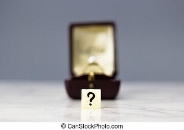 약혼 반지, 와, 물음표