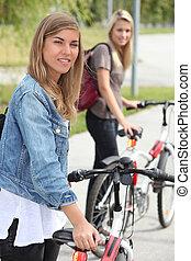 어린 여성, 와, 자전거