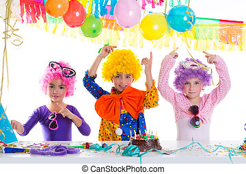 어릿광대, 생일 파티, 아이들, 가발, 행복하다