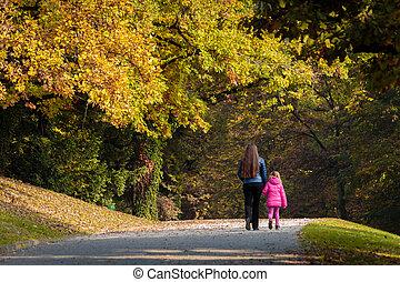어머니와 딸, 걷다, 완전히, 공원, 에서, 가을
