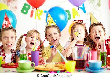 에, 생일 파티