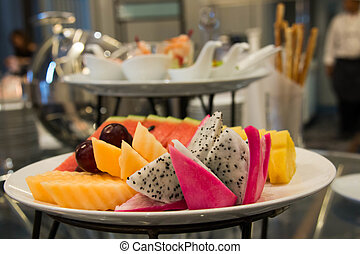 여러 잡다한 인간으로 이루어진, 수집, 과일