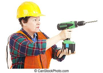 여성, 건설 직원, 구멍을 내는 것