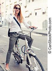 여성, 통근자, 통하고 있는, 전기, 자전거