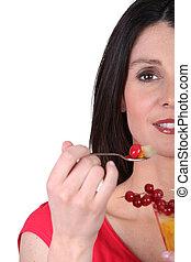 여자, 브루넷의 사람, 과일, 컵