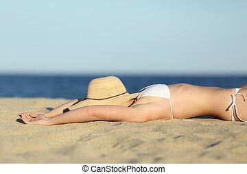 여자, 쉬는 것, 일광욕을 하는 것, 모래에, 의, 그만큼, 바닷가, 와, a, 그림, 모자