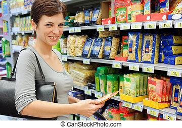여자, 슈퍼마켓