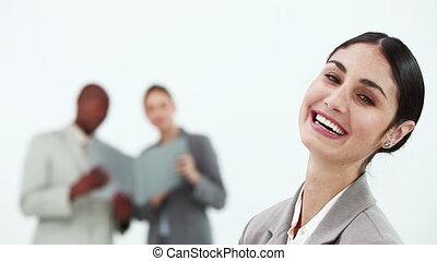 여자 실업가, 웃음