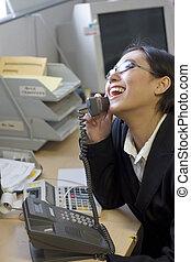 여자 실업가, 행복하다