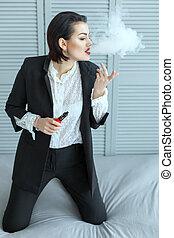 여자, 에서, 양복, vaping