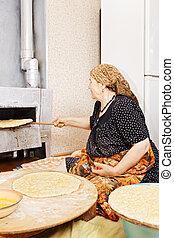 연장자 여자, 도착한다, 오븐, bread