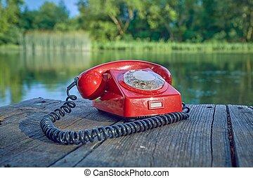 오래되었던 전화, 에서, 자연