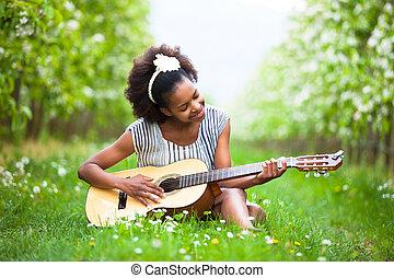옥외, 초상, 의, a, 나이 적은 편의, 아름다운, 아메리카 흑인 여자, 기타를 연주하는, -, 검정, 사람