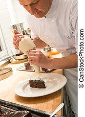 요리사, 장식하는 것을 굳혀라, 서리로 덥음, 만두 따위의 거죽을 싸는 것