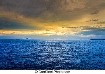 위의, 일몰, 바다