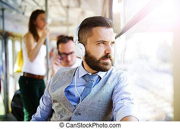 유행을 좇는 사람, 사업가, 통하고 있는, 궤도