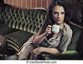 유행, 여자, 마시는 커피