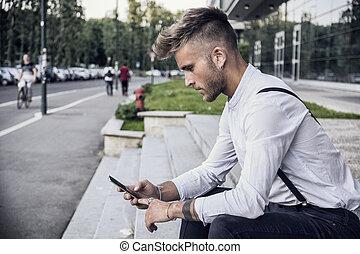 유행, 청년, 을 사용하여, 전화, 옥외, 착석