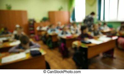 은 배경을 희미해졌다, 아이의그룹, 에서, a, 교실, 에, a, 학교 책상, 은 이다, a, 수업, 에서,...