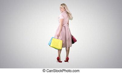 은 자루에 넣는다, 쇼핑하고 있는 여성, 그녀, 배경., 경사, 젊음 봄, 회전, 카메라, 손, 제작, 행복하다