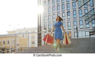 은 자루에 넣는다, 쇼핑하고 있는 여성, 나이 적은 편의