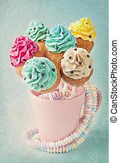 은 터진다, 다채로운, 컵케이크