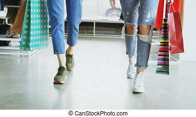 입는 것, 걷기, bags., shop., 나름, 현대, jeans, 숙녀, 조련사, 종이, 천천히, 드넓은...