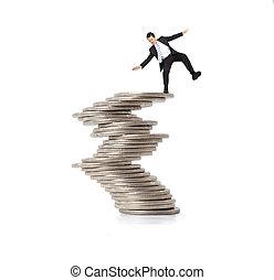 재정, 와..., 위기, concept., 서 있는 실업가, 통하고 있는, 그만큼, 불안정한, 은 화폐로...