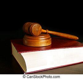 재판관, 법정, 작은 망치, 착석, 통하고 있는, a, 법률 서적