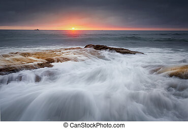 조수의, 은 흐른다, 위의, 바위, 에, cronulla, 바닷가