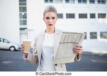 중대한, 유행, 여자 실업가, 보유 신문, 와..., 커피