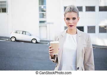 중대한, 유행, 여자 실업가, 보유 커피