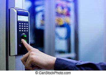 직원, 추천, 아래로의, 전자의, 통제, 기계, 와, 손가락, 대충 훑어 보기, 접근에, 그만큼, 문, 의, 제어실, 또는, 자료, center.