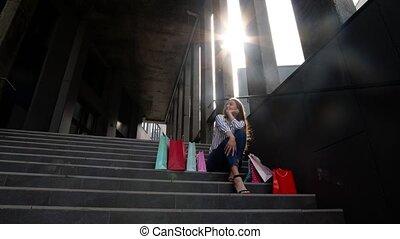 착석, 쇼핑, 금요일, 은 자루에 넣는다, 미소, 층계, 소녀, 판매, 검정, 열대의 소년, mall.