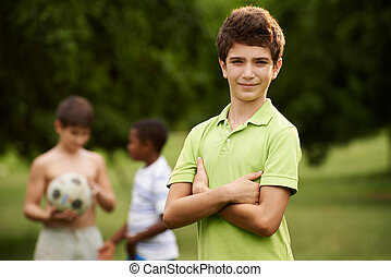 초상, 의, 소년, 와..., 친구, 축구를 경기하는, park에게서