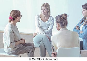 치료학자, 돕는 것, 어린 여성, 동안에, 특수한 모임, 의, 후원 그룹