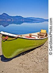 카누, 통하고 있는, 그만큼, 호수 기슭