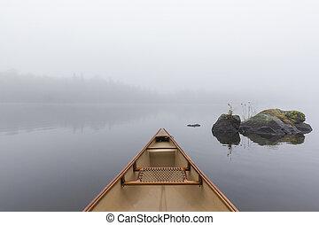 카누, 활, 통하고 있는, a, 봄 안개가 덮인, 호수, -, 온다리오, 캐나다
