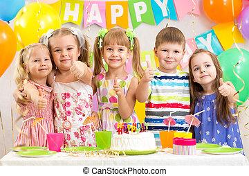 키드 구두, preschoolers, 경축하는, 생일 파티
