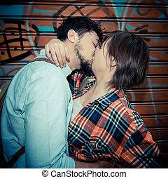 키스하는 것, 한 쌍, 나이 적은 편의
